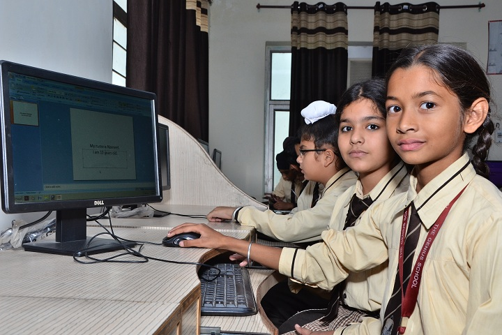 The Genius Senior Secondary School-Computer lab