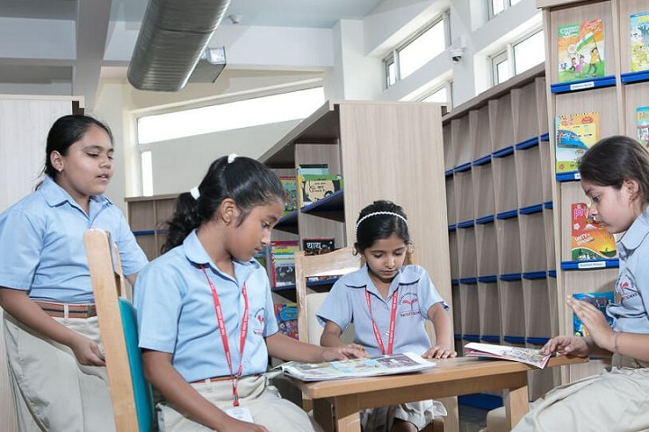 The HDFC School-library