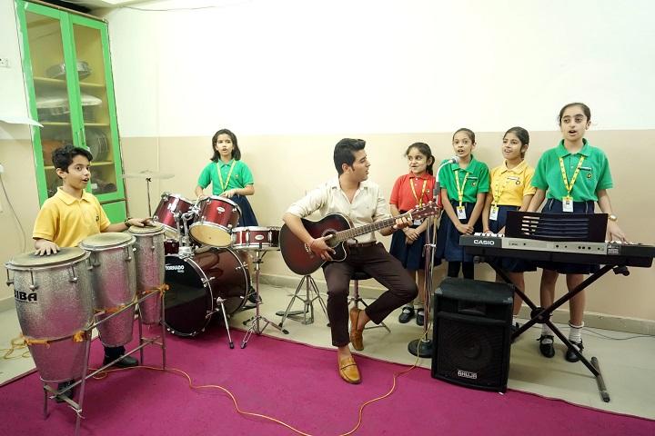 The Little Shri-Music Class