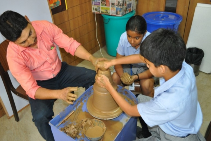 Paras World School India-Pottery workshop