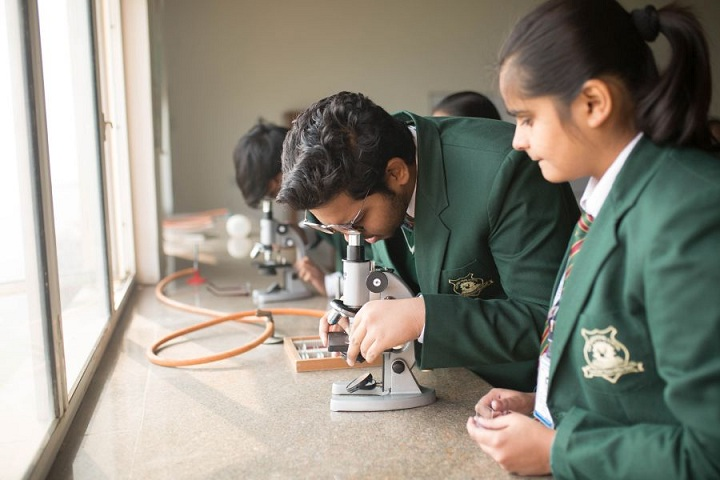 The Shikshiyan School-Science lab