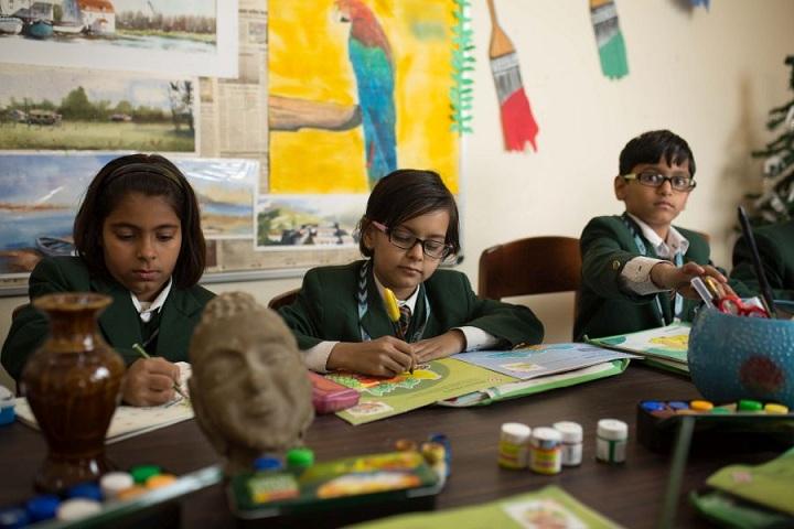 The Shikshiyan School-Art and Craft Class