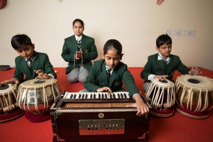 The Shikshiyan School-Music Class