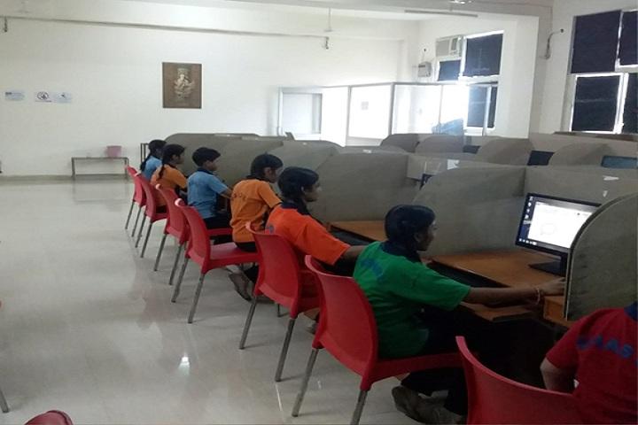 V M Senior Secondary School-Computer lab