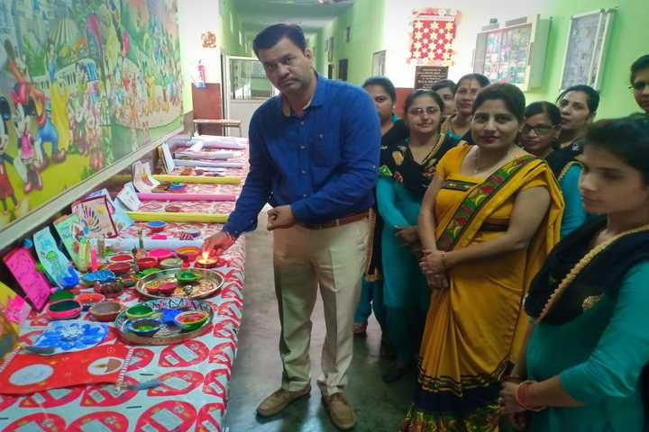 Vidhya Bharti Day Boarding Public School-Exhibition