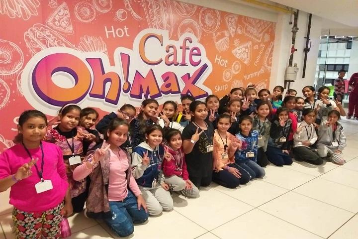 Vidya Anand Public School-Excursion