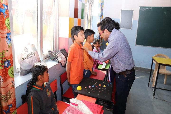 Vidyantriksh Senior Secondary School-Classroom