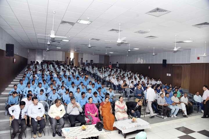 Viveka Nand Bal Mandir Senior Secondary Schoo-Auditorium