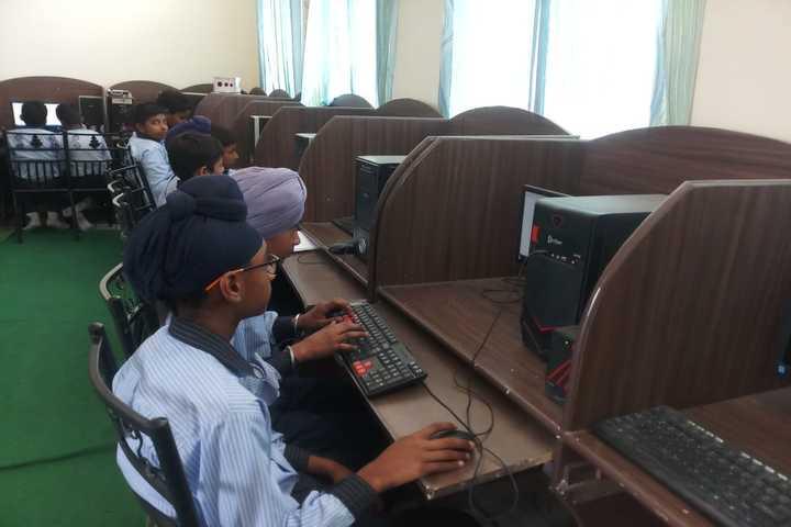 Wellwisher Public Senior Secondary School-Computer Lab