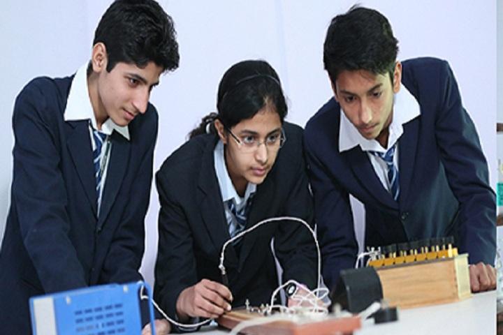 Yaduvanshi Shiksha Niketan-Science Lab