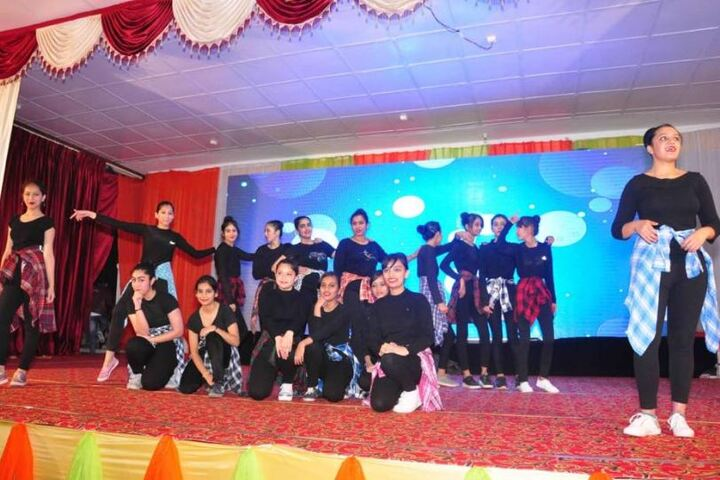 Achievers Hub Public School-Dance