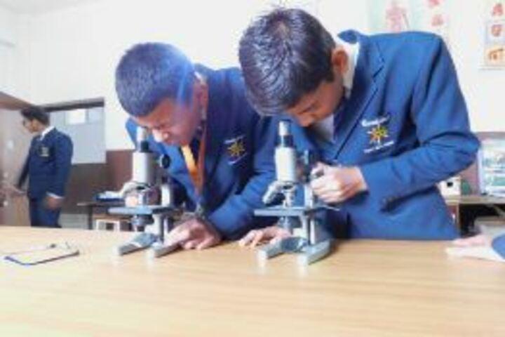 Cambridge International School-Science Lab