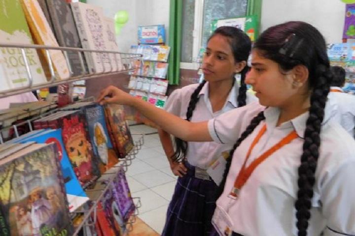Cambridge International School-Books Fair