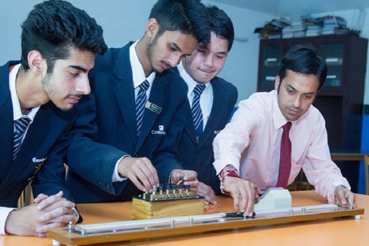 Cambridge International School-Laboratory