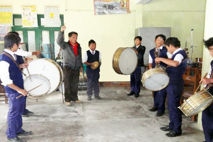 Central School For Tibetans-Band
