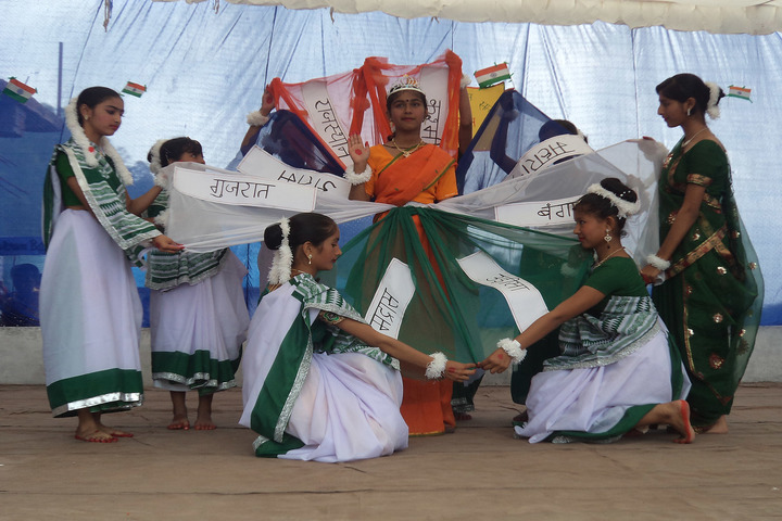 Florence Convent School-Dancing Activity