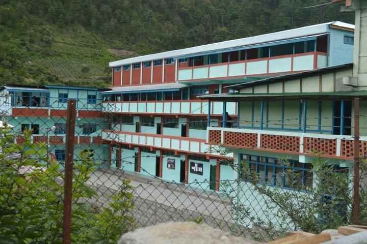 Pine Wood School-Campus View