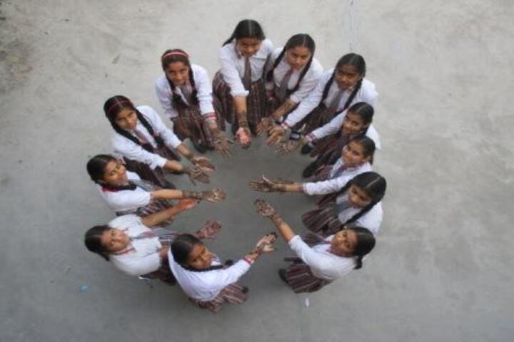 Rudra International School-Mehandi Competition