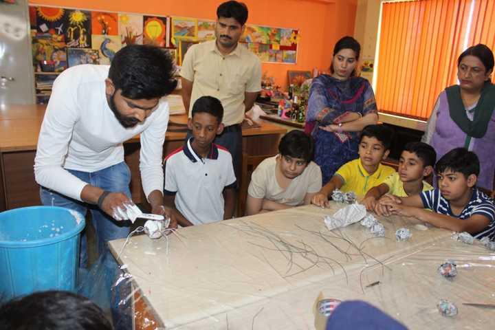 Banyan International School-Painting Room
