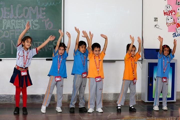 GD Goenka Public School-dance