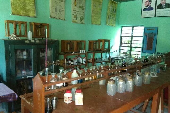 Jawahar Navodaya Vidyalaya-Chemisty Lab