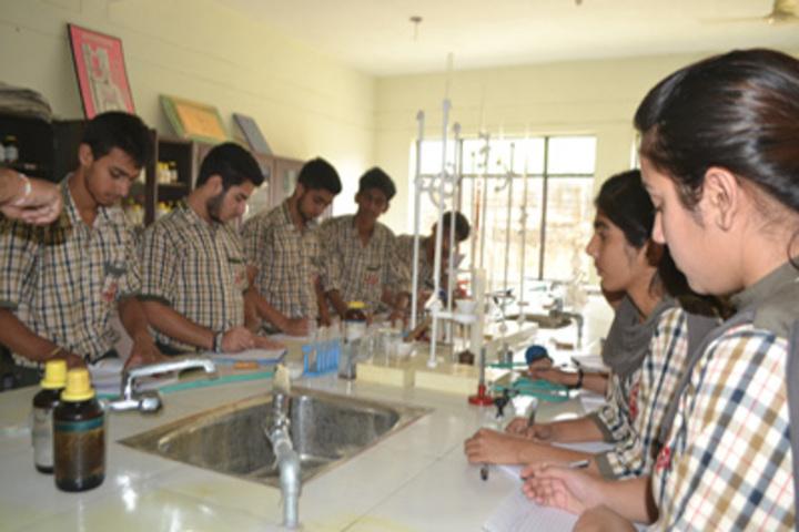 KC Gurukul Public School-Lab