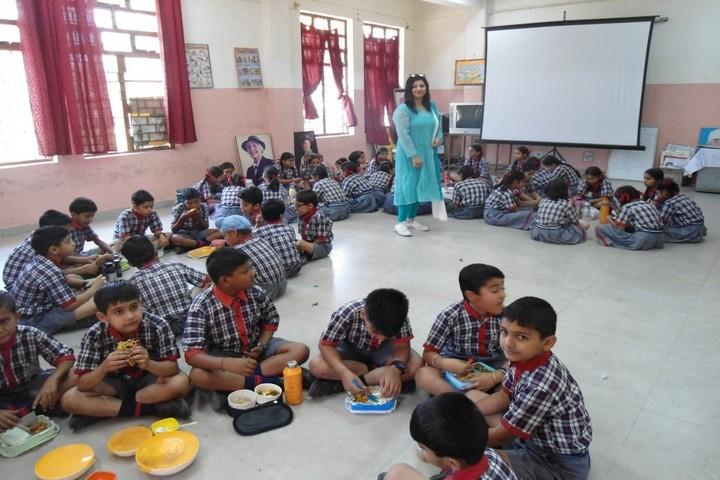 Kendriya Vidyalaya-Lunch Time