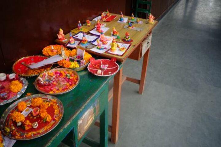 Maharaja Harisingh D A V Centanary Public School-Craft