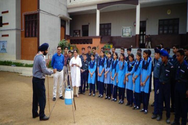 Maharaja Harisingh D A V Centanary Public School-Experiment
