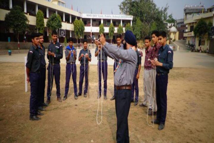 Maharaja Harisingh D A V Centanary Public School-Games