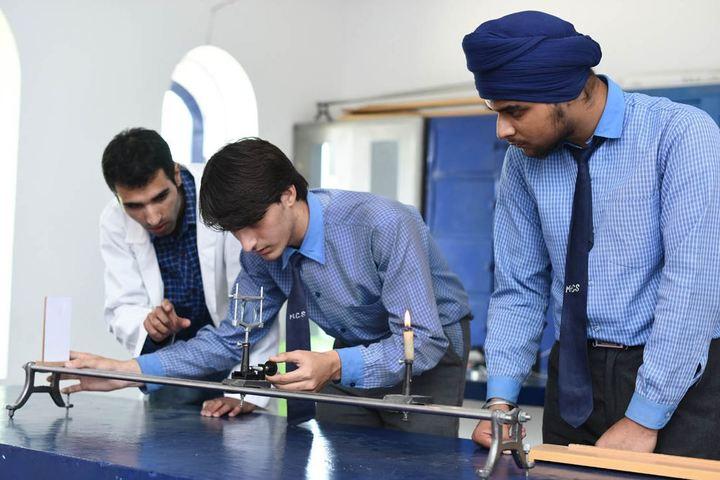 Minto Circle English Medium High School-Physics Lab