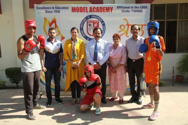 Model Academy-Sports