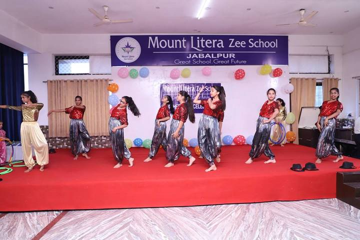 Mount Litera Zee School-Dancing