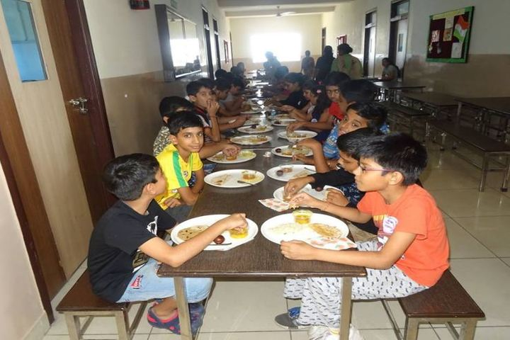 Mount Litera Zee School-Eating