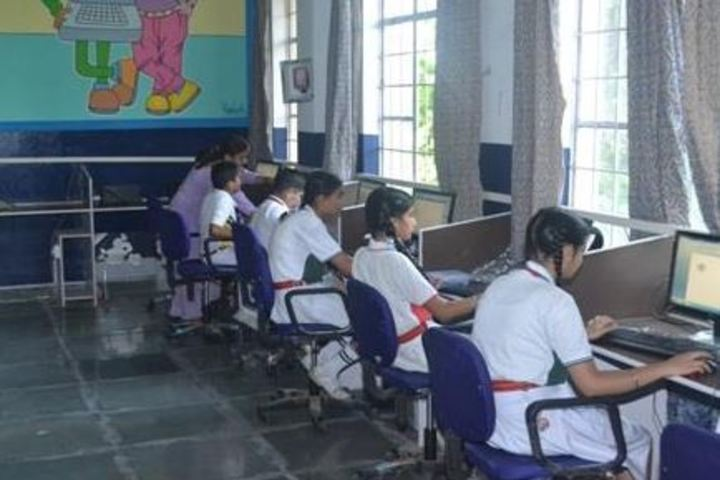 R M Public School-Computer lab