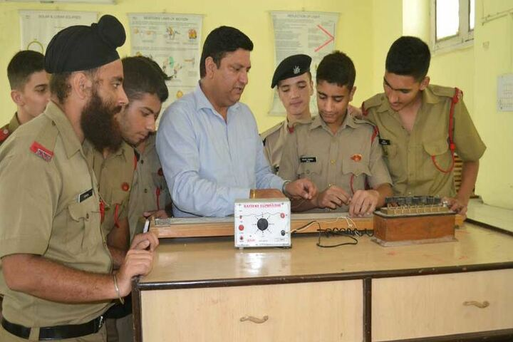 Sainik School-Physics lab