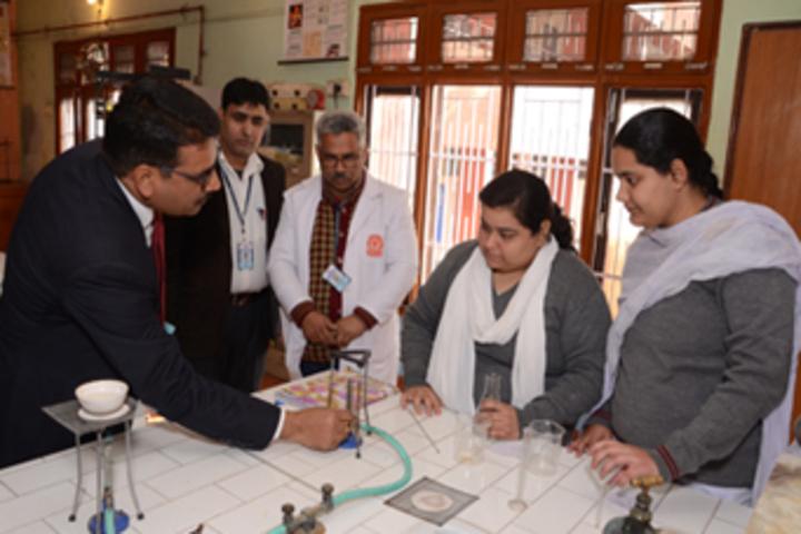 Vishwa Bharati Public Higher Secondary School-Chemistry Lab