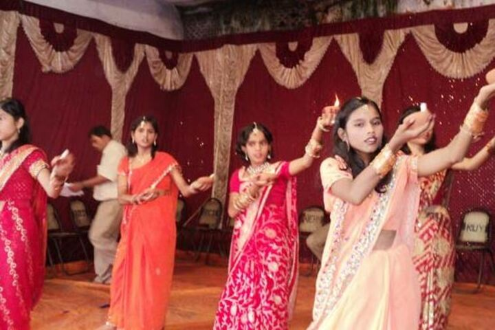 Adarsh Shramik Uchcha Vidyalaya-Dance