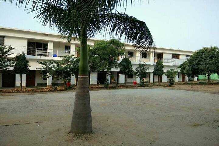 Buds Garden School-Hostel