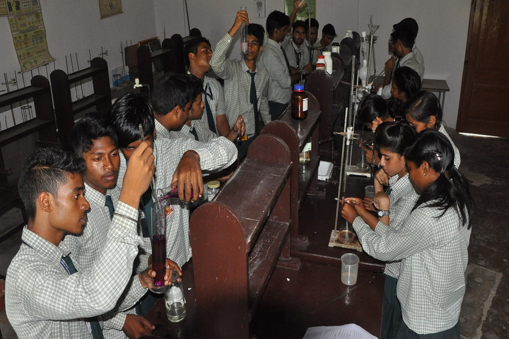 D A V Public School-Chemistry Labs