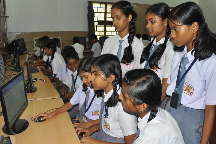D A V Public School-Computer-Lab