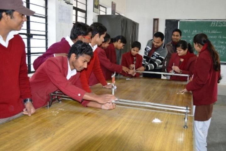 D A V Public School-Physic Lab
