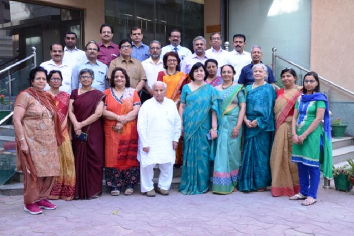 D A V Public School-Staff Group Photo
