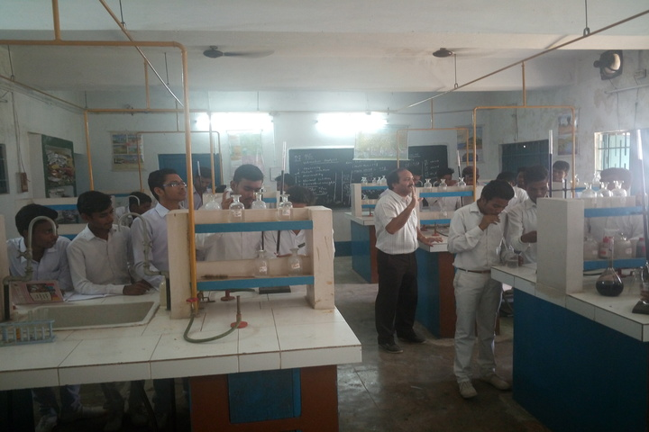 DAV Public School - Chemistry lab
