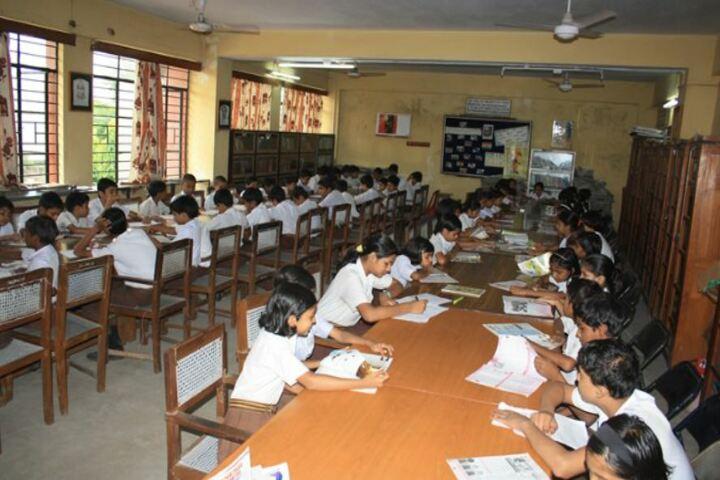 D A V Public School-Library