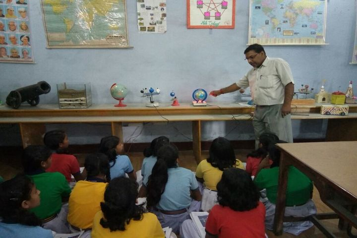 Dav Public School-Science Lab
