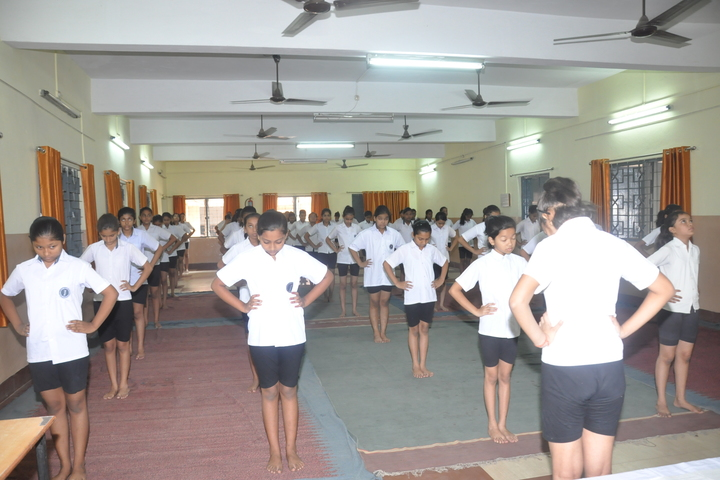 Dbms Kadma High School-Yoga-Day