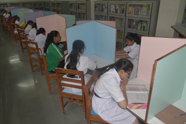 Delhi Public School-Library1