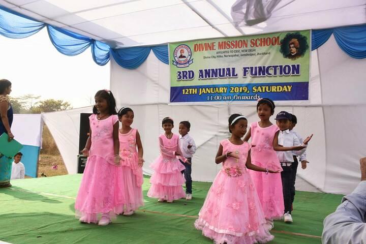 Divine Mission School - Dance