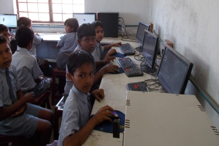 Divine Public School-Computer-Lab